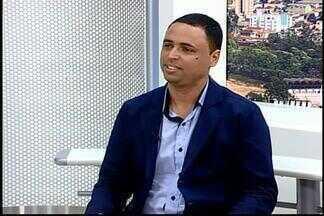 Analista fala sobre Movimento 'Compre do Pequeno Negócio' em Divinópolis - Dênis Magela explica a importância do movimento para as micro e pequenas empresas. Ação termina nesta segunda-feira (5).