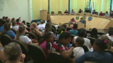 Eleição para Coordenador de Educação gera polêmica em São Miguel do Iguaçu - Plenário da Câmara ficou lotado durante a votação