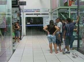 Falta de energia atrapalha funcionamento do Extresso Cidadão em Caruaru - Pessoas devem ser atendidas ao longo da semana.