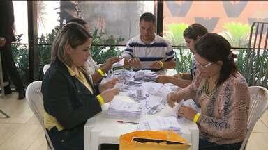 Apuração das eleições de conselheiros tutelares foi realizada nesta segunda em CG - A eleição foi no domingo, mas a apuração é manual e só deve terminar no final da noite desta segunda-feira.