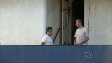Consulado oferece ajuda à tripulantes turcos que estão no ES - Eles estão desde janeiro vivendo em um navio no Porto de Vitória.Eles estão com o salário atrasado e não conseguem voltar pra casa.