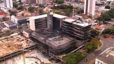 Estrutura do TRT não foi comprometida após incêndio, em Goiânia - Todos os prédios vão passar por um processo de limpeza e estudo para retomar a obra.