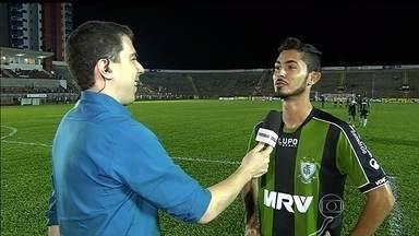 Autor do Gol que recolocou o América-MG no G-4, Sávio espera repetir feito esta terça - Coelho enfrenta o Macaé, no Independência, nesta terça-feira