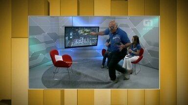 Márcio Canuto leva tombos espetaculares ao vivo - Repórter do esporte vai para a galera nas transmissões