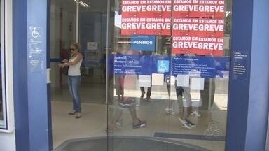 Bancários entram em greve no Amapá - Os bancários entraram em greve. A principal reivindicação é um reajuste salarial de 16%.