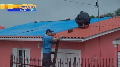 Região Central do RS é atingida por fortes chuvas e granizo - 340 casas ficaram alagadas em Santa Maria.