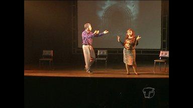 Espetáculo 'Até que a morte nos separe' é realizado na Casa da Cultura - Comédia faz parte da programação da 25ª Mostra de Teatro Amador de Santarém.