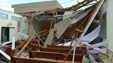 Chuva causa estragos em várias cidades do Paraná - As cidades mais atingidas, de acordo com a Defesa Civil, foram Borrazópolis e Ipiranga.