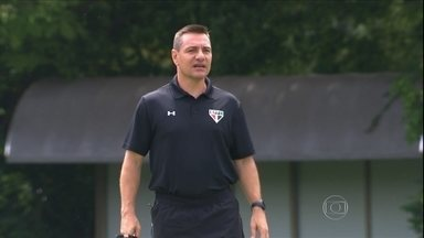 Doriva começa a mostrar seu estilo de trabalho no São Paulo - Novo técnico promete acabar com o rodízio de Osório e incentivar o entrosamento entre os atletas