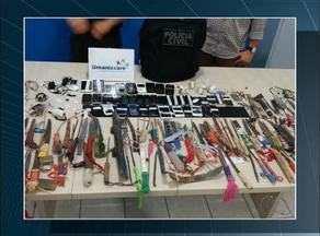 Durante revista, polícia encontra facas, celulares e cachaça na CCP de Palmas - Durante revista, polícia encontra facas, celulares e cachaça na CCP de Palmas