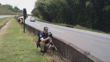 Operação flagra 700 motoristas com excesso de velocidade na Fernão Dias - Operação flagra 700 motoristas com excesso de velocidade na Fernão Dias
