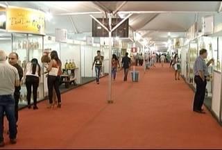 Festival Mundial da Cachaça é realizado em Salinas - Cidade produz cerca de 3 milhões de litros da bebida por ano.