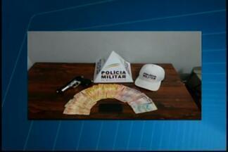 Suspeito de assalto em hamburgueria é detido em Divinópolis - Jovem tentou fugir quando percebeu a chegada de uma equipe da polícia.Ele foi detido e encaminhado à delegacia de Polícia Civil.