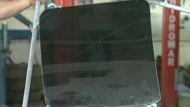 Aumento de furto de veículos preocupa moradores de Franca, SP - Para escapar dos ladrões motoristas investem em vidros mais resistentes.