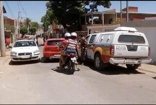 Denúncia ajuda polícia a localizar suspeitos de assalto em Montes Claros - Um adolescente foi apreendido suspeito de assaltar uma loja neste sábado (10) na cidade.