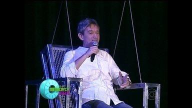 Serginho Groisman relembra momentos marcantes do 'Altas Horas' - Apresentador revisita programas quem foram ao ar em 2008, 2009 e 2010
