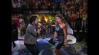Luan Santana relembra apresentação com Ivete Sangalo no 'Altas Horas' - Sertanejo elogia a cantora e diz que aprendeu muito com ela