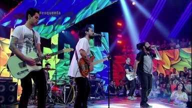Onze:20 canta o sucesso 'Te Roubar Pra Mim' - Platéia vai a loucura com a banda