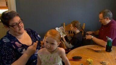 Família cria filhos sem gênero definido nos Estados Unidos - As crianças é que escolhem se querem ser meninas ou meninos. Portland, no Oregon, é conhecida com a capital dos americanos mais liberais.