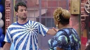 Começa o Tomara que Caia com o time do Marcelo Serrado - Primeiro grupo entra em cena