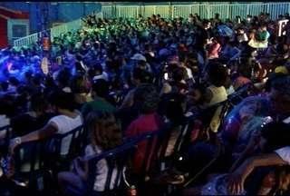 Famílias se divertem no 'Dia da Alegria' promovido pela Inter TV com o Circo Maximus - Parceria arrecadou alimentos e produtos de limpeza, que serão doados para a APAE e para a Fundação Sara de Montes Claros.