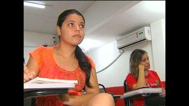 Após dois dias de Enem, estudantes revisam assuntos das provas - Mais de 20 candidatos fizeram provas em Santarém.