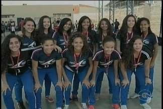 Time de Futsal feminino de Petrolina trouxe uma vitória no JEPs para casa - As meninas do EREM Osa Santana foram homenageadas hoje