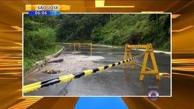 SC está em alerta pelas deslizamentos causados pela forte chuva que atinge o estado - SC está em alerta pelas deslizamentos causados pela forte chuva que atinge o estado