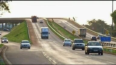 Trecho da BR-060 fica parcialmente interditado por causa de obra em viaduto de Anápolis - Concessionária inicia nesta quinta-feira a recuperação do pavimento no local.