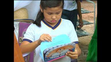 Projeto que estimula leitura e escrita no contexto amazônico é realizado em Santarém - Iniciativa deu tanto resultado que alunos criaram uma revista.