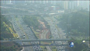 Avenida Paralela tem movimento intenso no começo da manhã desta quinta (5) - Veja também como está o trânsito em outros pontos da capital baiana no Radar.
