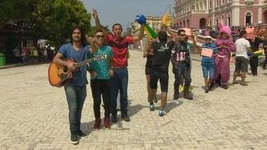 Seletiva do 'Tem Gente Atrás' é realizada em Manaus - Alegria e criatividade marcaram as audições para o quadro do 'Domingão'.