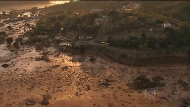 Duas barragens se rompem e provocam destruição em Mariana, MG - Equipes de resgate trabalham sem parar em busca de sobrevivente. Uma morte foi confirmada e pelo menos 15 pessoas estão desaparecidos. Centenas de moradores estão desabrigados.