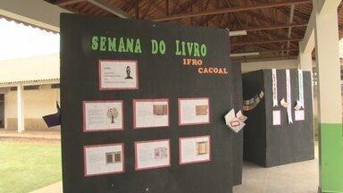 Ifro de Cacoal promove 'Semana do Livro' - Exposição contando a história do livro está disponível para os alunos.