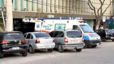 PM é preso suspeito de matar adolescente em Vila Velha, no ES - Militar estava de folga e também foi baleado. Está hospitalizado sob escolta.Amigos de vítima acreditam que morte tenha relação com tráfico de drogas.