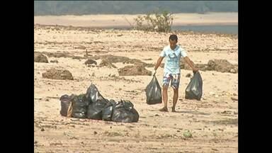 1ª etapa da Jornada Ecológica é realizada no bairro Maracanã em Santarém - Foi retirado lixo e outros objetos que estavam na praia.