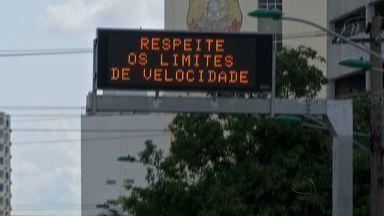 Painéis de LED mostram informações sobre trânsito em avenidas da capital - Painéis de LED mostram informações sobre trânsito em avenidas da capital