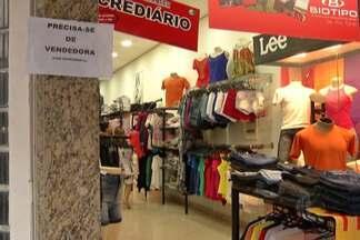 Alto Tietê deve ofertas cerca de 2,5 mil vagas temporárias de emprego - Os estabelecimentos da Praça de Alimentação do shopping de Mogi estão entre os comércios que vão contratar.