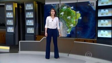 Região onde barragem se rompeu em MG tem previsão de chuva - Há previsão de chuva em grande parte do Brasil. Veja como fica o tempo nesta segunda-feira (9).