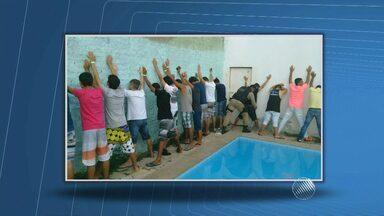 Cerca de 80 adolescentes são levados para delegacia após festa com bebidas alcoolicas - A situação foi registrada na cidade de Guanambi, sudoeste da Bahia.
