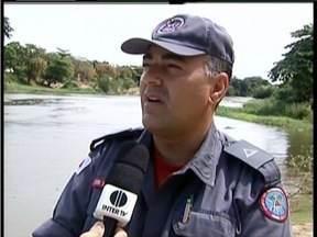 Corpo de Bombeiros de GV alerta sobre cuidados ao nadar em águas do Rio Doce - Lama vinda de Mariana pode provocar afogamentos.