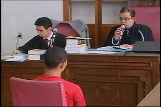 Homem é condenado a 15 anos de prisão por homicídio em Araxá - Rafael da Silva foi acusado de matar a facadas Luza Helena Rufino. Ele permanece no presídio de Araxá, onde já estava preso; cabe recurso.