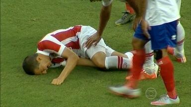 João Ananias tem lesão séria no ligamento do joelho esquerdo. - Jogador vai ficar afastado dos gramados por volta de seis meses.