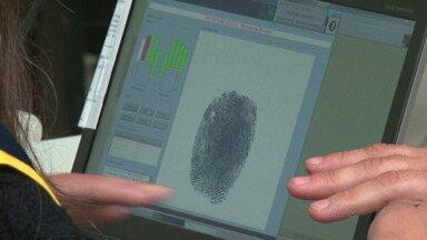 68% eleitores de Guarapuava já fizeram o cadastramento biométrico - Por ser novidades, muitas dúvidas têm surgido. Veja só na reportagem.