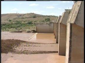 Abastecimento de água em GV fica comprometido após rompimento de barragem em Mariana - Moradores ficaram assustados com a quantidade de peixes mortos no Rio Doce.
