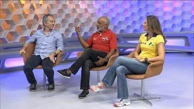 """Júnior, sobre rivalidade: """"Você só rivaliza com quem você admira"""" - Veja o VT sobre o samba na Argentina."""