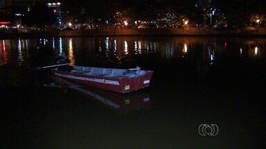 Homem morre depois de se afogar no lago do Parque Vaca Brava, em Goiânia - Vítima estava bêbada e deixou pertences às margens do local, diz testemunha. Após buscas, bombeiros acharam corpo a quase 2 metros de profundidade.