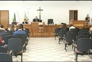Em MOC, médica acusada de negar atendimento a uma criança é julgada - Julgamento acontece há 9 anos após morte da criança.