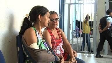 Mulher com o braço quebrado consegue agendar cirurgia em Goiânia - Ela foi atendida no Hospital das Clínicas da Universidade Federal de Goiás e teve o procedimento agendado.