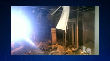 Bandidos explodem caixas eletrônicos de agência bancária em Paulo Ramos, MA - A cidade fica a 339km de São Luís.
